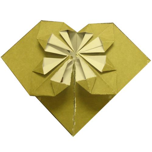 本课时只是一个心形折纸的例子                    纸,请查看