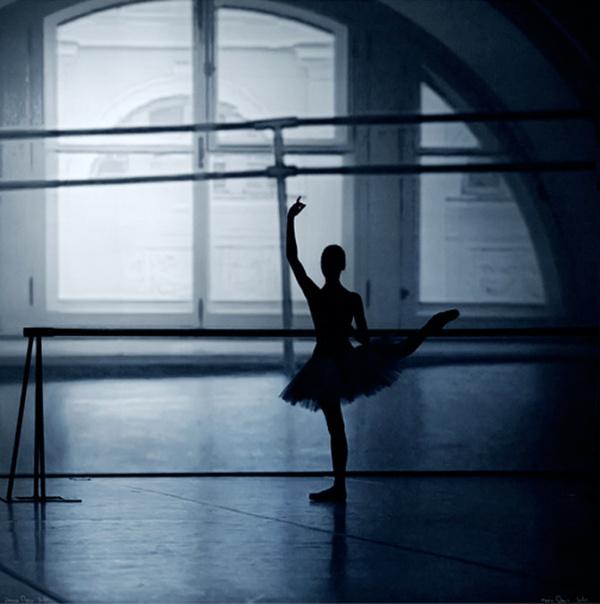 黑天鹅txt_【摄影欣赏】如梦芭蕾-MARK OLICH-摄影公社小组-好知网