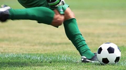 介绍了一些实用的足球运球
