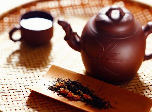 普洱茶冲泡步骤 备具:准备好茶具及普洱茶