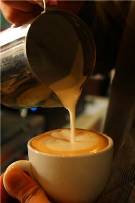 第6课 拉花基础练习—圆 - 咖啡拉花基础教程 - 好知网